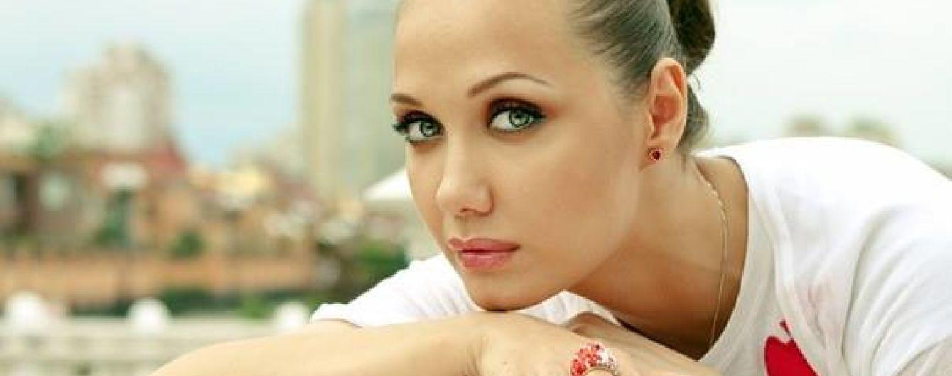 Певица Евгения Власова попала в реанимацию и борется за свою жизнь