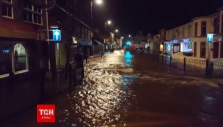 В Сети появилось видео затопленного города на острове Англси