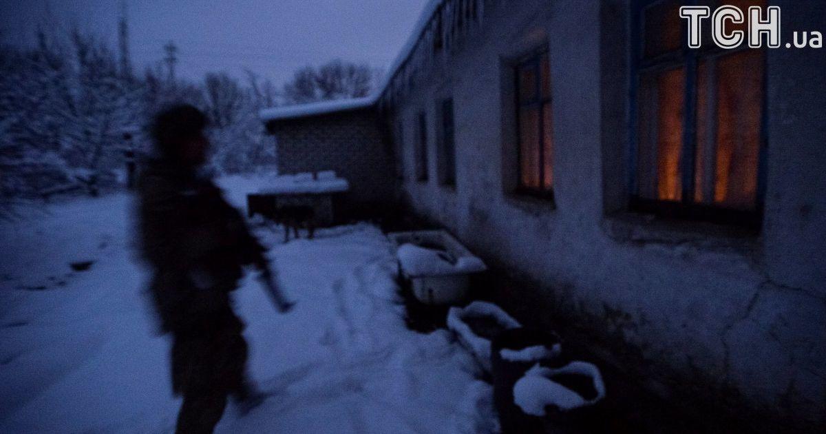 Украинские военные в  Травневом  @ Reuters