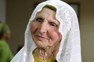 Крим прощається із Веджіє Кашкою: люди з'їжджаються з усього півострова на похорон