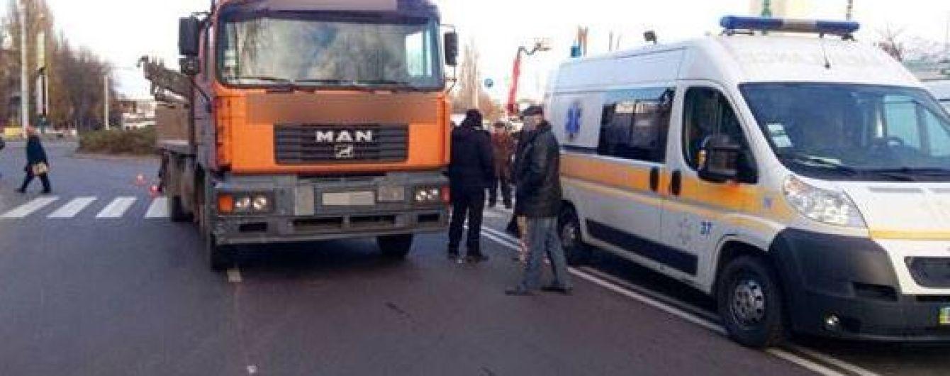 В Кременчуге грузовик переехал пенсионерку на пешеходном переходе