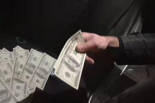 В Черниговской области СБУ задержала депутата, причастного к сбыту фальшивых денег