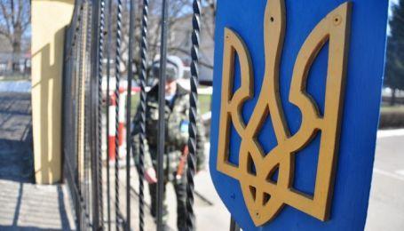 Во Львовской области возле воинской части повесился молодой лейтенант