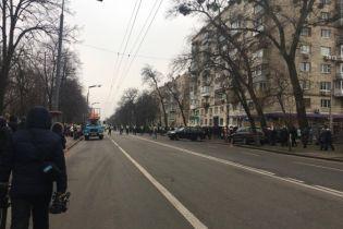 У центрі Києва перекрили дорогу через пам'ятні заходи