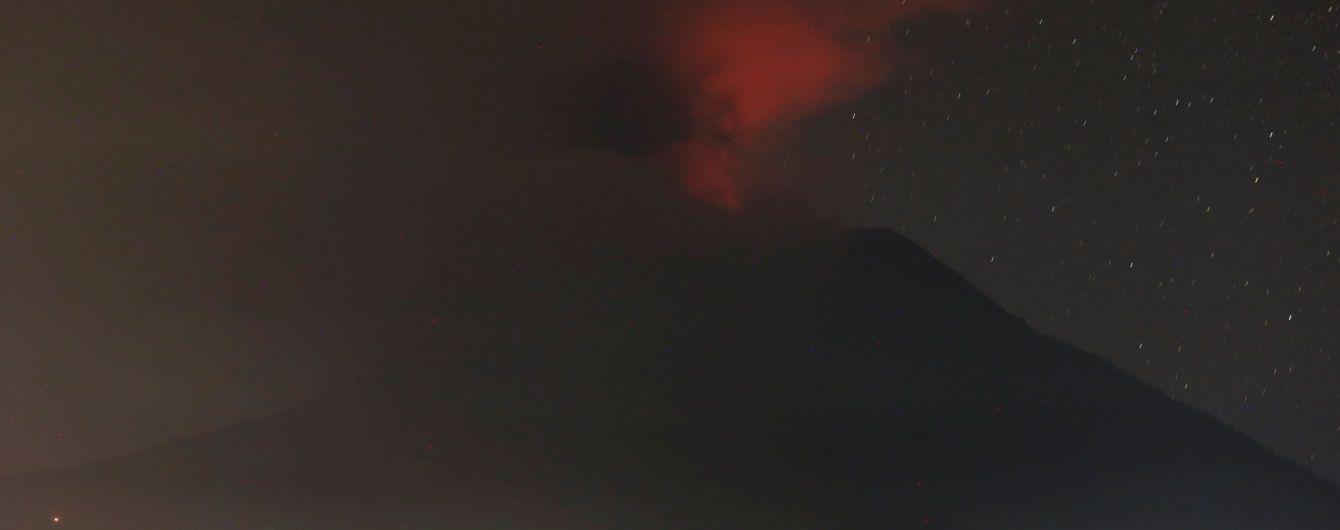На Бали взорвался вулкан