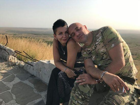 """Вибухи і безладна стрілянина: у Донецьку роззброюють """"батальйон"""" письменника-терориста Прилєпіна"""