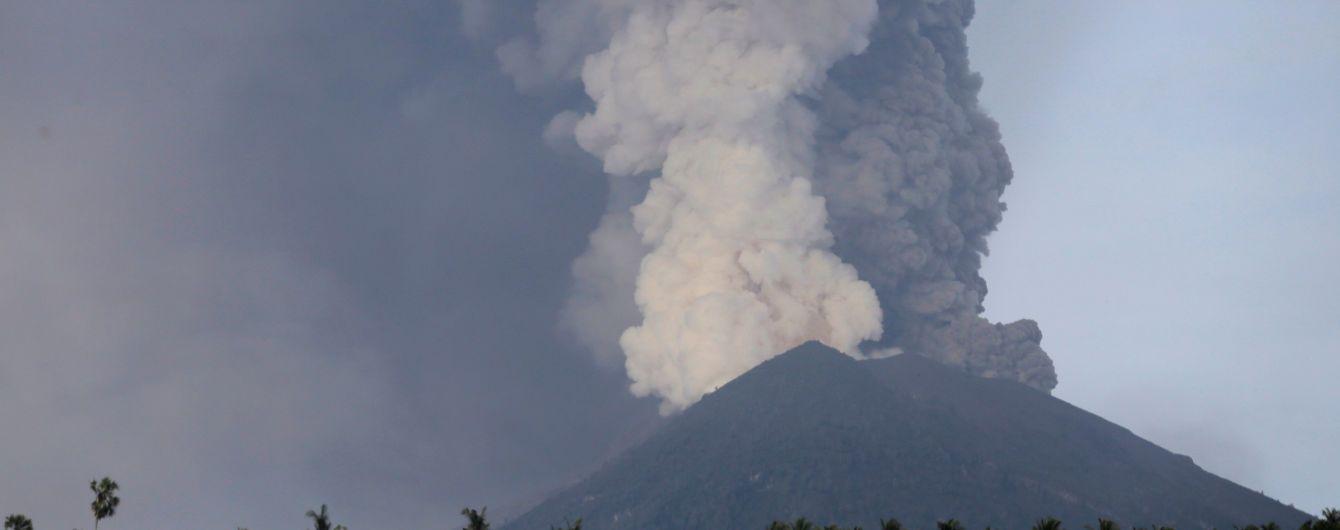 Виверження вулкану на Балі: дипломати дали застороги українцям