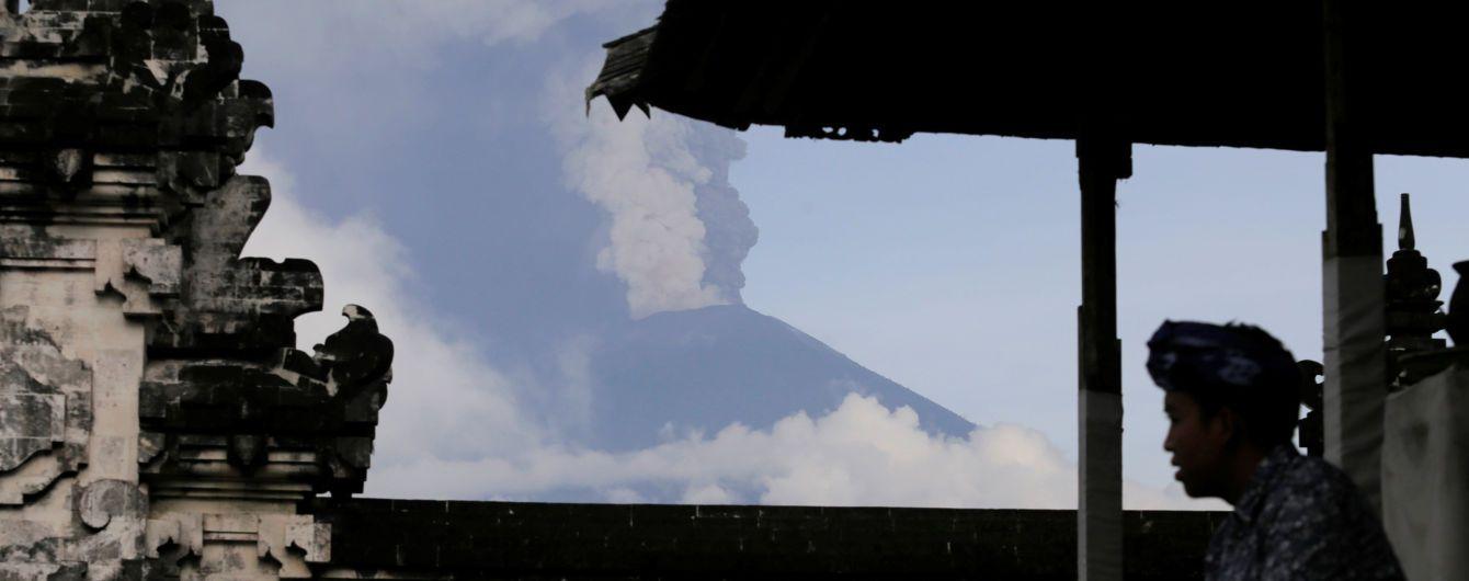 400 скасованих рейсів, закритий аеропорт і термінова евакуація: на Балі не спить вулкан