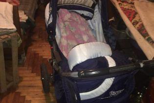 У поліції розповіли, чому жінка викинула 5-місячну дитину з балкона у Запоріжжі