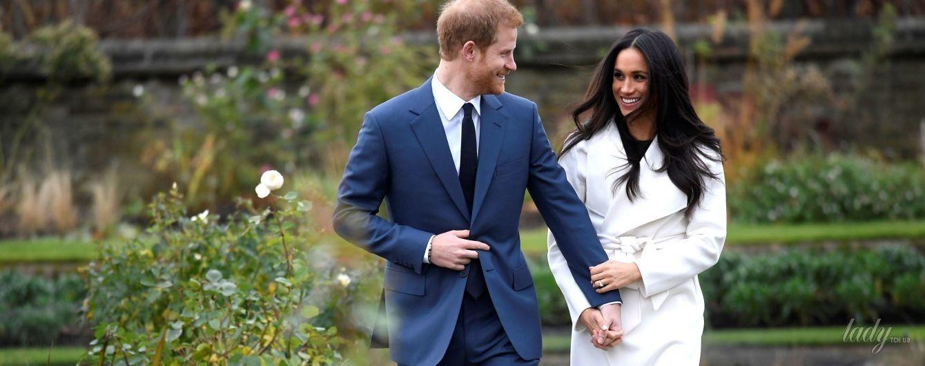 Белоснежное пальто и грязные туфли за 700 долларов: первый выход Меган Маркл в качестве невесты принца Гарри