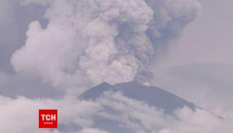 Продовження відпустки: через активність вулкану на Балі скасували понад 400 авіарейсів