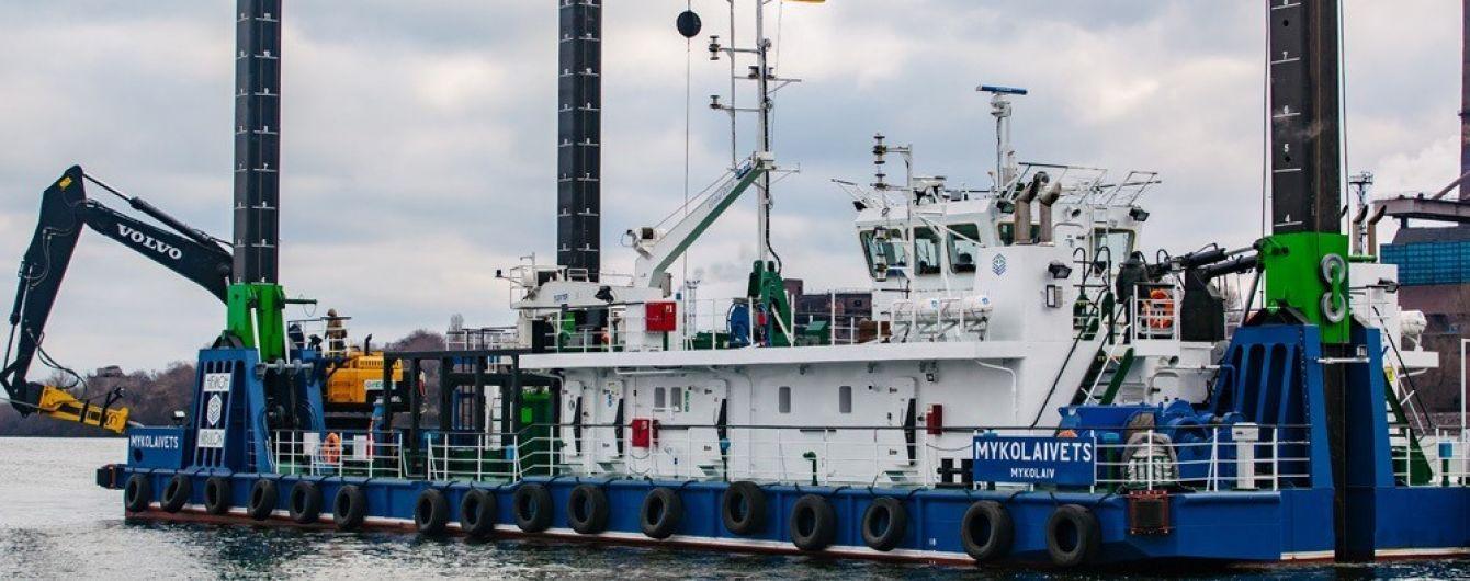 """""""Нибулон"""" показал в реальных условиях работууникального судна, способного углублять скалистое дно Днепра"""