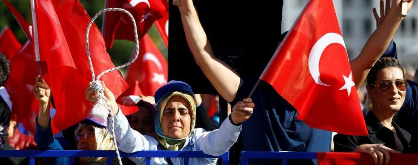В Турции 28 военных приговорили к пожизненному заключению