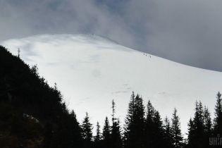 Синоптики попереджають про можливість сходження лавин у горах та підйом рівня води в річках