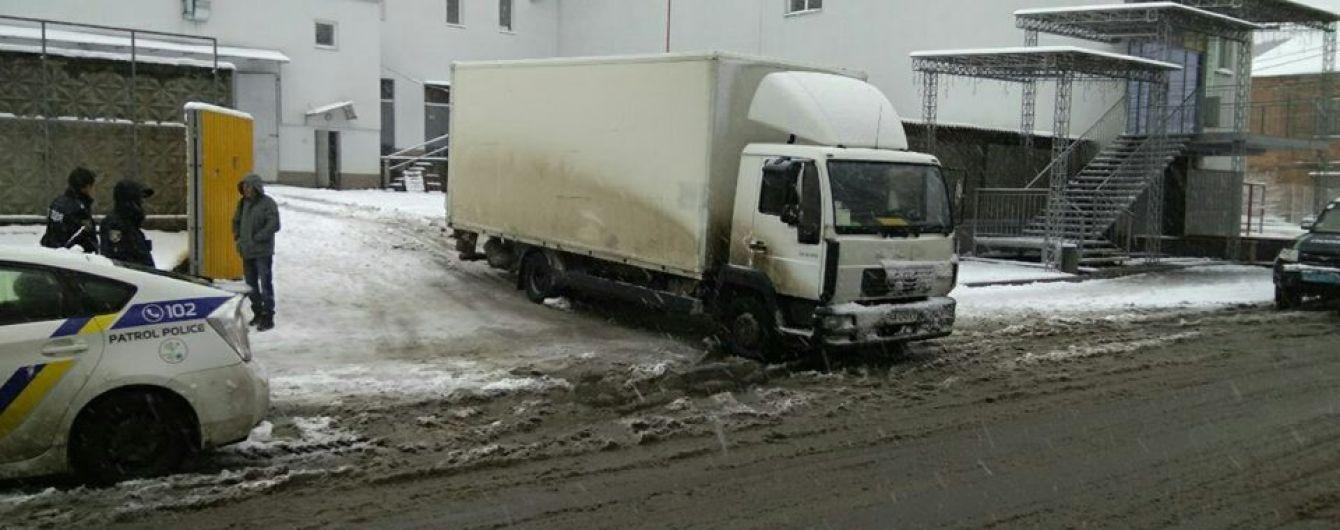 У Вінниці вантажівка збила маму та двох її дітей, 7-річна дівчинка у реанімації