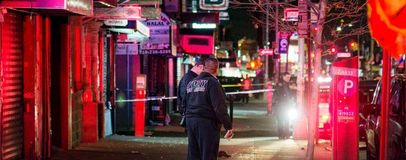 В Нью-Йорке автомобиль врезался в толпу, есть жертвы
