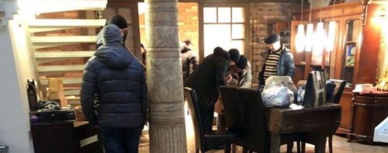 За двухэтажный пентхаус Саакашвили платил по 6 тысяч долларов в месяц