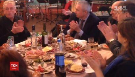 Владі – ікра, людям – булочки: активістів обурило відзначення Дня людей з інвалідністю у Коростені