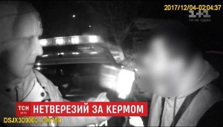 У Чернівцях нетверезий водій тікав від поліції у компанії з вагітною дружиною