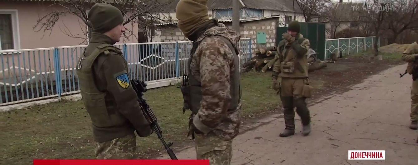 """Жителі звільнених сіл Донеччини заперечили пропаганду терористів про """"паспорти"""" так званої """"ДНР"""""""