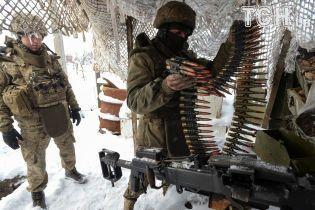 Боевики совершили 14 обстрелов и ранили одного украинского бойца. Сводка ООС