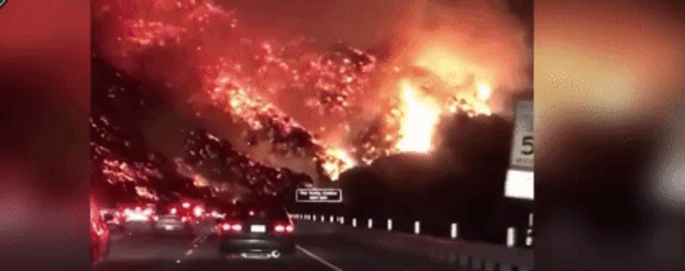 """В Сети показали потрясающее видео """"адских"""" лесных пожаров в Калифорнии"""