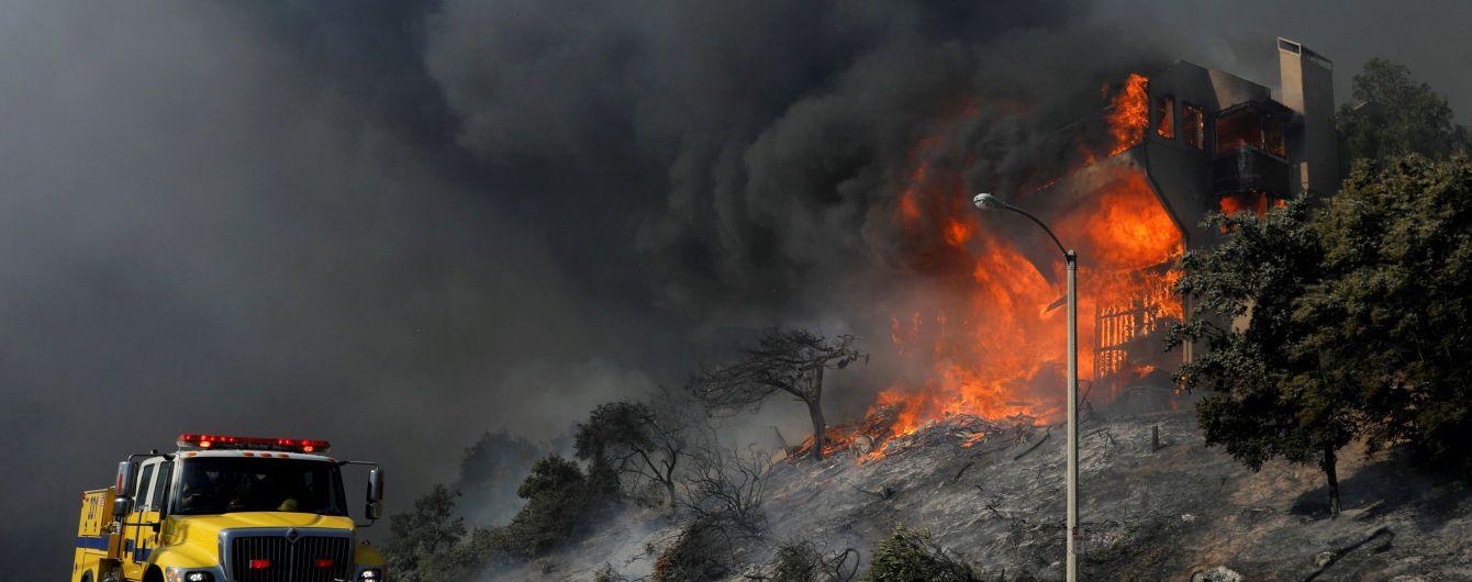 Адский пожар в Калифорнии уничтожил винодельню миллионера Руперта Мердока