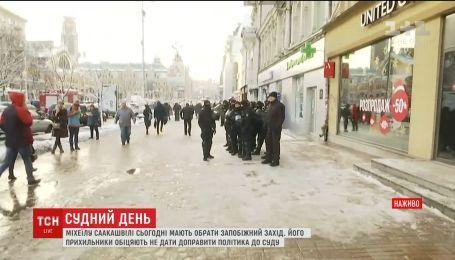 Михеил Саакашвили доставлен в суд для избрания меры пресечения