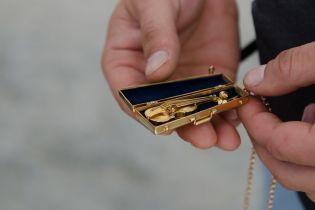 Фискалы изъяли 53 килограмма незаконного золота в ювелирных магазинах Киева
