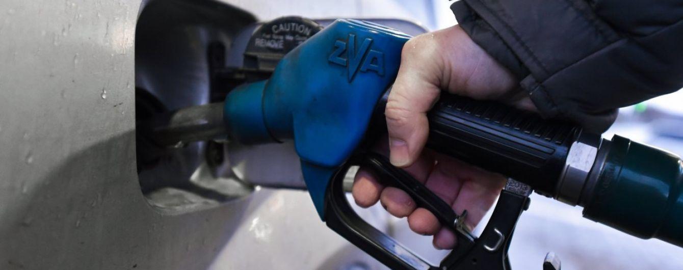 Сколько стоит заправить авто на АЗС утром 10 сентября