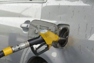 Сколько стоит заправить авто на АЗС утром 21 августа