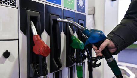 Сколько стоит заправить авто на АЗС утром 9 декабря
