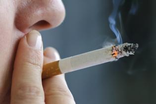 Научно доказано: люди, которые не курят, более привлекательные