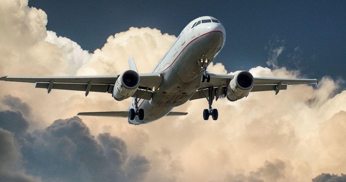 Український літак вирушив за школярами, які потрапили в криваву аварію в Білорусі