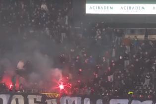 Фанаты устроили кровавую драку во время матча чемпионата Сербии