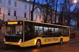 Во Львове на маршруты выехала лишь пятая часть автобусов