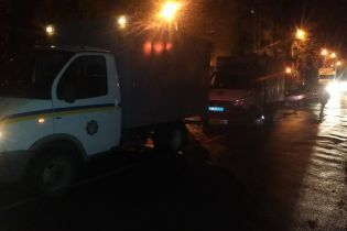 На Полтавщині конвойне авто з арештантами зіткнулось з легковиком
