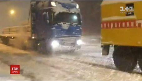 Непогода обесточила 147 населенных пунктов в шести областях Украины