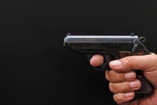 На Волыни школьник пришел на уроки с пистолетом