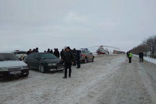 Вертоліт глави Нацполіції остаточно заблокував рух на трасі Київ – Одеса
