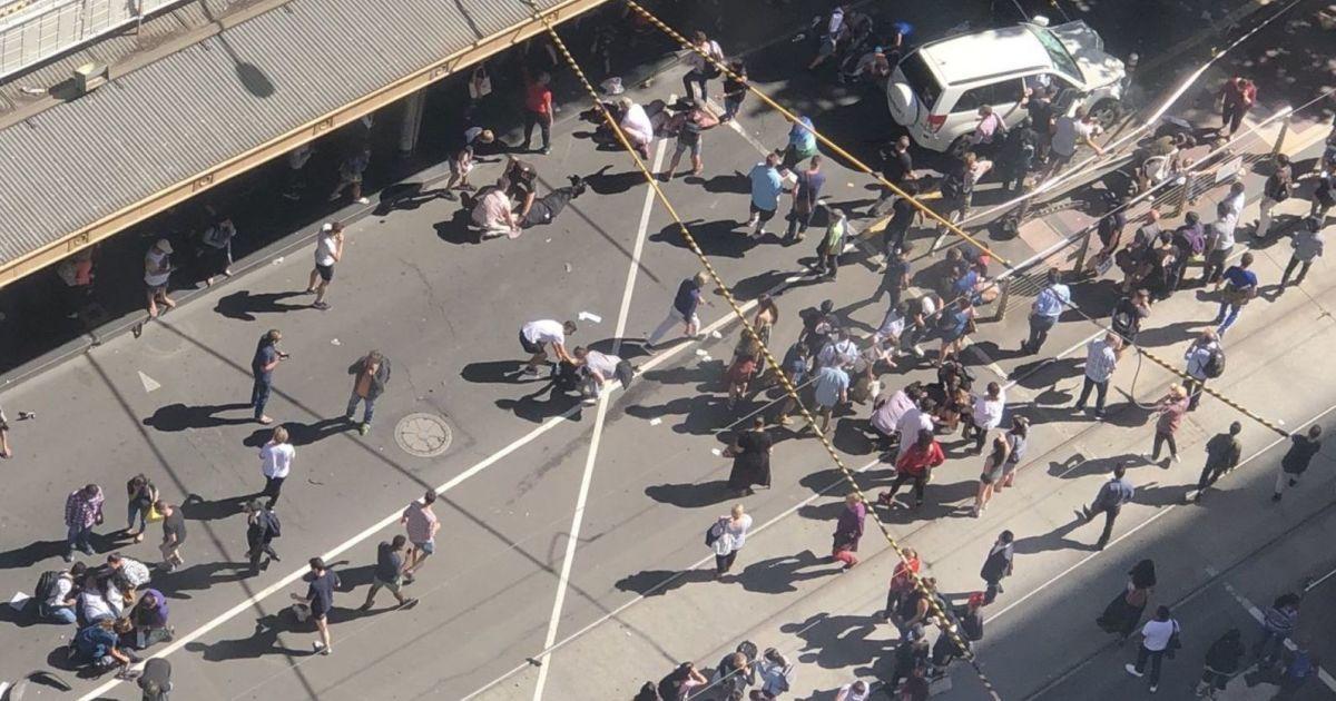 Новые подробности атаки в Мельбурне: у второго задержанного нашли несколько ножей