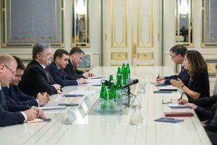 Глава МИД Канады хочет встретиться с Порошенко и Зеленским