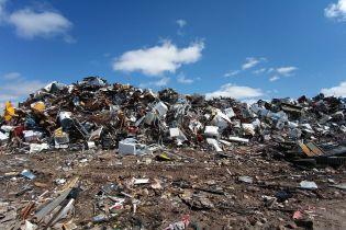 Українці проігнорували закон про сортування сміття
