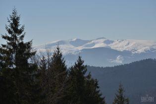 Вблизи Яремче вторые сутки ищут пропавшего в горах отдыхающего