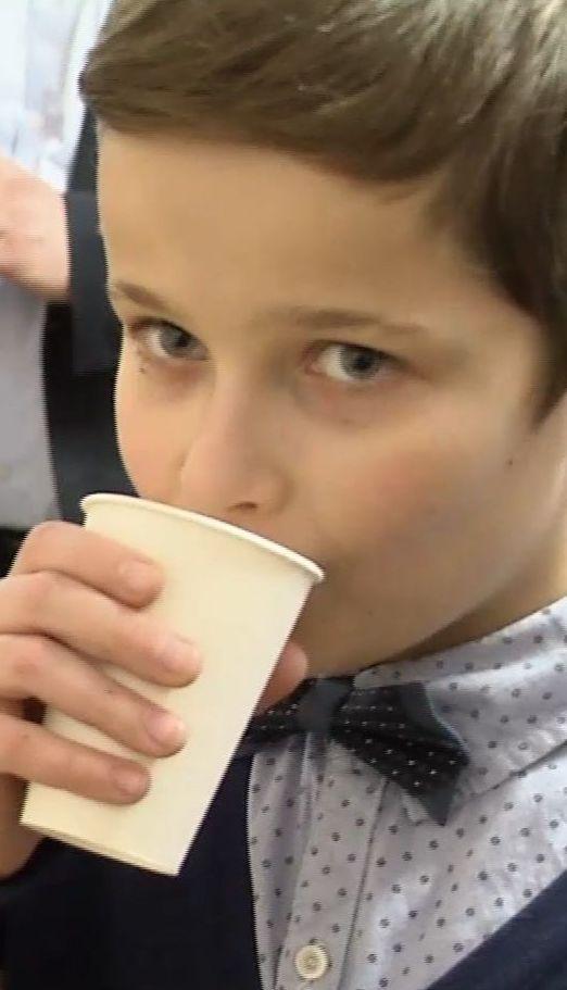 ТСН.Тиждень проводит уникальный соцпроект, чтобы предотвратить развитие гипокальцемии в украинских школьников