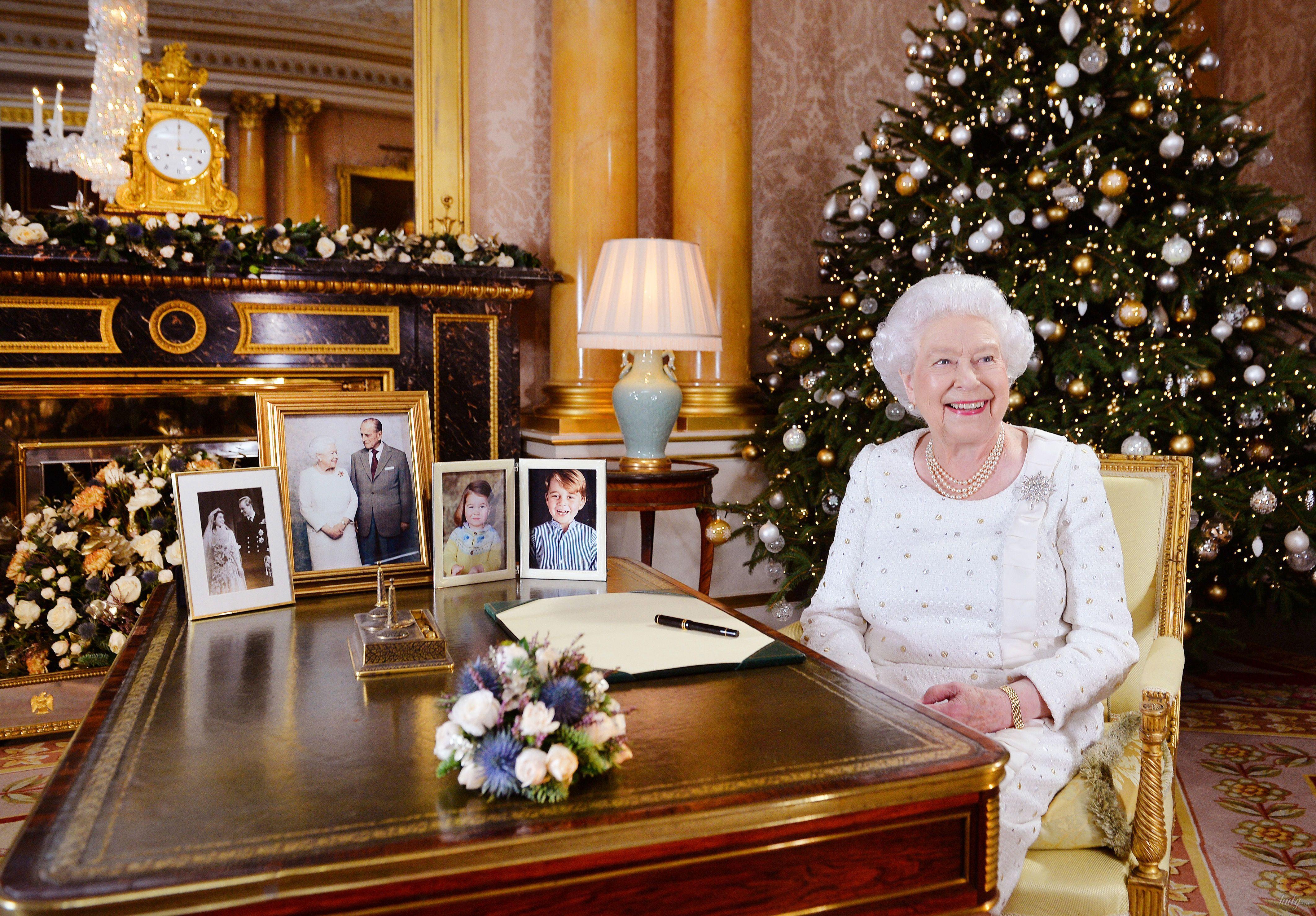 Королева елизавета 2 рождественское поздравление фото 600