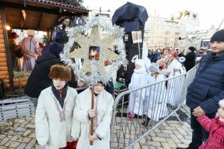 У Львові влаштували феєричне шоу у центрі міста
