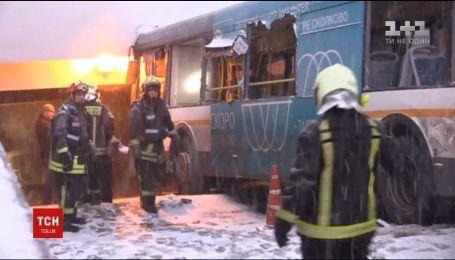 Камери зафіксували в'їзд автобусу в підземний перехід у Москві