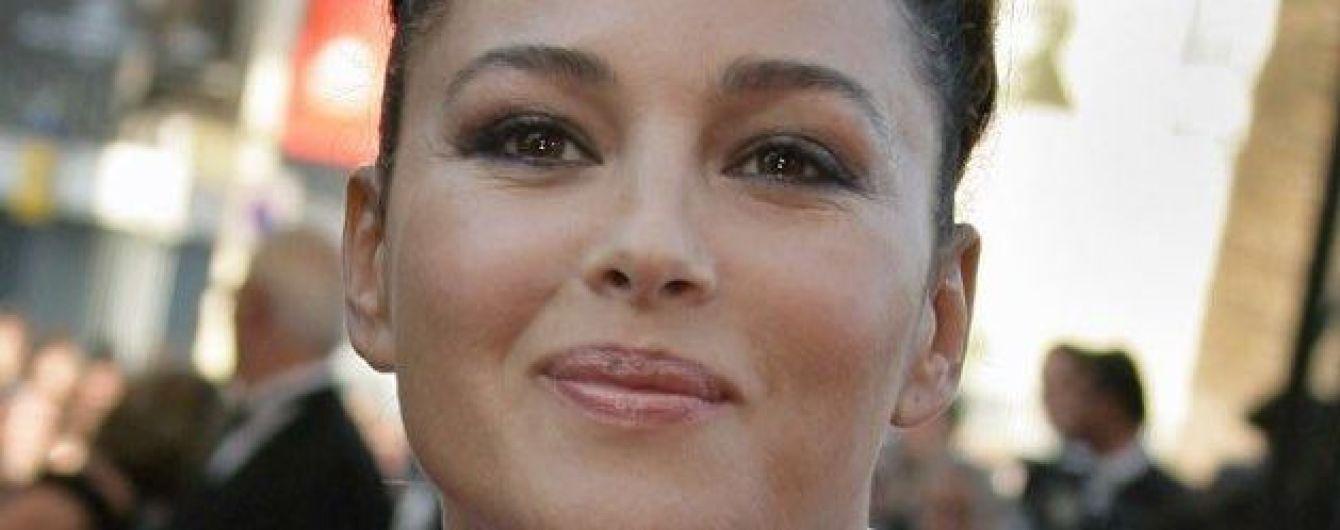 В необычном ожерелье: Моника Беллуччи показала красивый образ