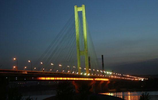У Києві частково обмежили рух Південним мостом